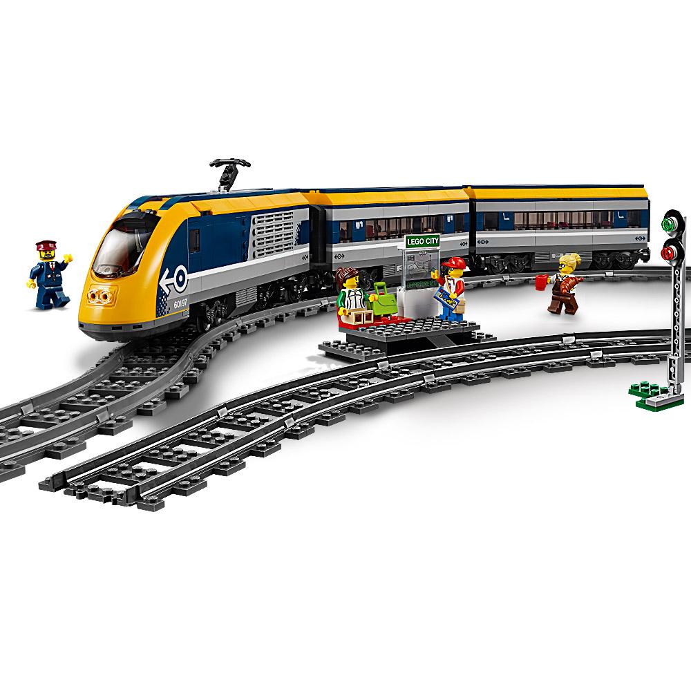 Создайте свое собственное приключение в поезде LEGO® City!