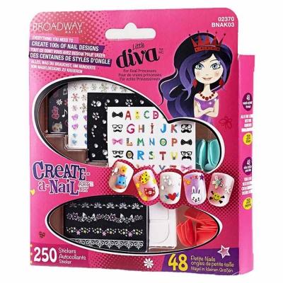 Купить Наборы для творчества и рукоделия, Набор для накладывания ногтей на стикерах Поиграй в нейл-арт Playmates Toys (BNAK03), Kiss
