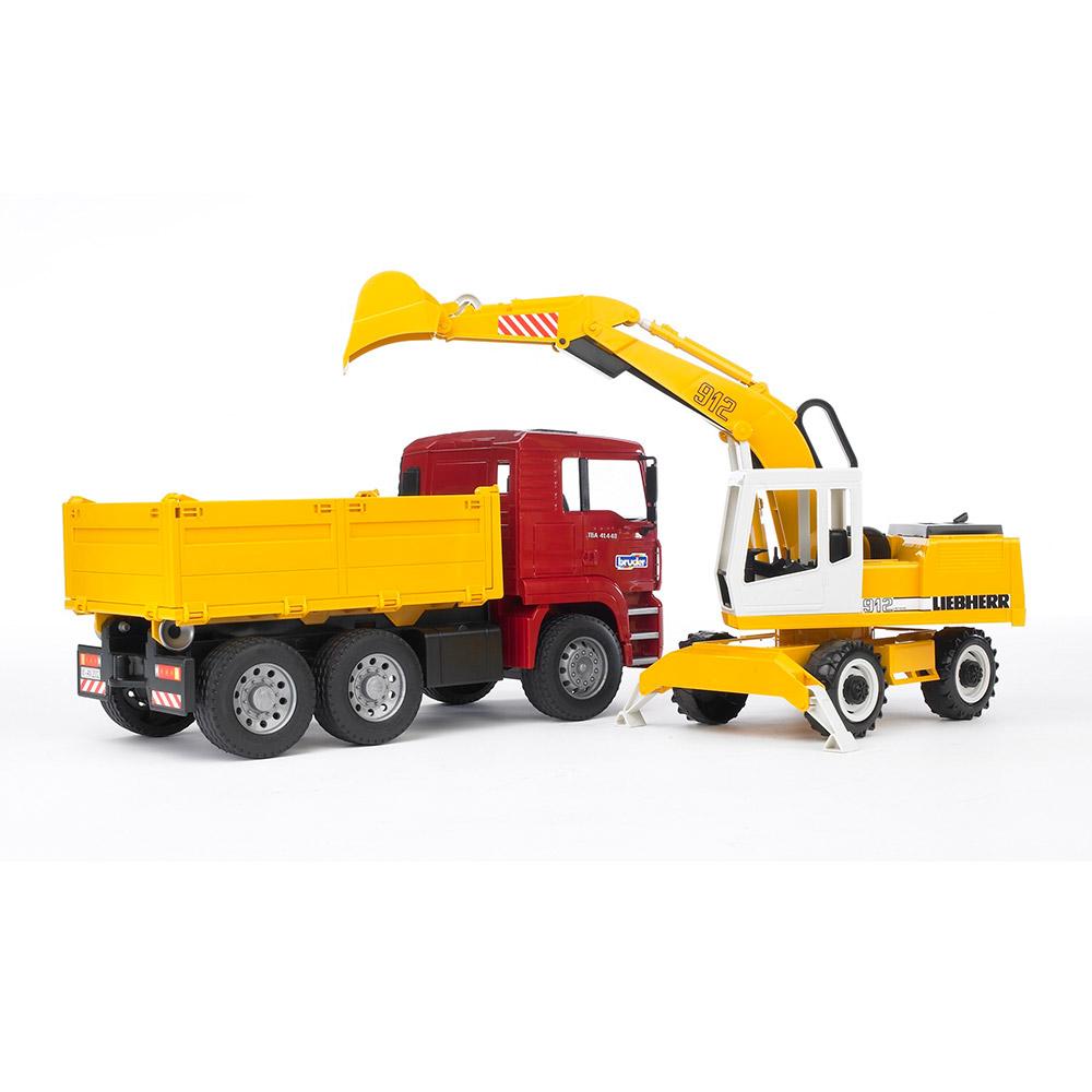 Купить Строительная техника, Набор игрушечная грузовик МAN и экскаватор Liebherr (2751), Bruder