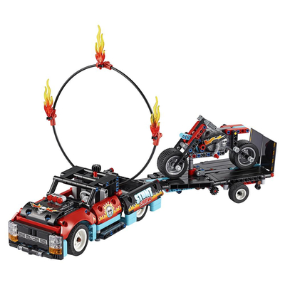 Конструктор LEGO Technic Шоу трюков на грузовиках и мотоциклах 2 в 1
